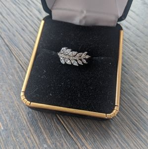 *Host Pick* Charmed Aroma Laurel Leaf Ring Size 5
